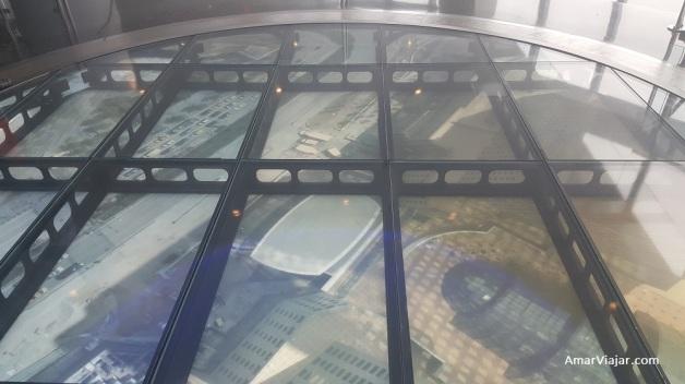 One World piso con pantallas