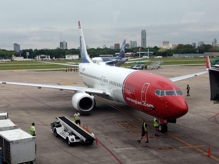norwegian-boeing-737-800-8