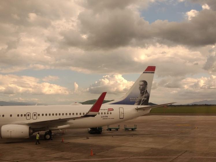 norwegian-sla-boeing-737-800